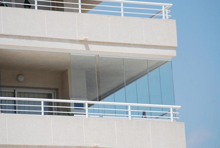 Cerramientos sin perfiles para terrazas cubiertas para - Cerramientos sin perfiles ...