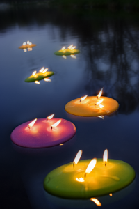 cubierta de piscinas velas flotantes